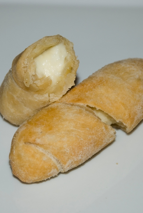 Recipe: Venezuelan Tequeños | Venezuelan Cheese Wrapped in Dough (Appetizers)